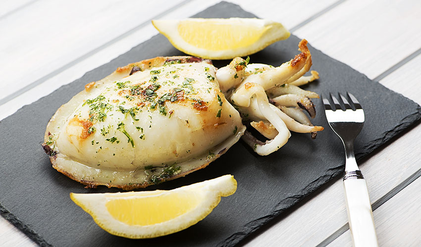Grilled cuttlefish with garlic and parsley: the original ...